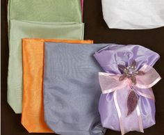 Υλικά για μπομπονιέρες και πως θα τα επιλέξετε Gift Wrapping, Tableware, Blog, Gifts, Gift Wrapping Paper, Dinnerware, Presents, Wrapping Gifts, Dishes