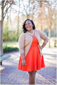 University of Houston College Grad Photo Session, College Grad Posing, Curvy Girl Posing, Natural Light Senior Photography, Houston Senior Photographer, Humble Senior Photography