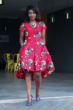 Latest Creative and Adorable Ankara styles that will inspire you and help improve your fashion sense. Best African Dresses, African Attire, African Fashion Dresses, African Print Fashion, Africa Fashion, Nigerian Dress, Ankara Styles For Women, African Blouses, Ghanaian Fashion