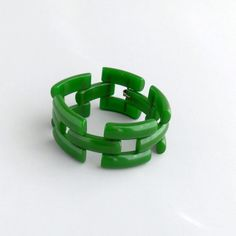 Hey, I found this really awesome Etsy listing at https://www.etsy.com/listing/157139571/bakelite-gate-link-bracelet-deep-green