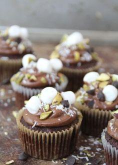 Karamellis - uten iskremmaskin - Mat På Bordet Rocky Road Cupcakes, Cupcake Recipes, Mini Cupcakes, Peanut Butter, Muffins, Goodies, Sweets, Baking, Breakfast