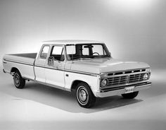 Pictures of Classic Ford Pickup Trucks: 1974 F-100 SuperCab Pickup Truck