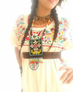 totally diggin' this style. Mexican Fashion, Mexican Outfit, Mexican Dresses, Traditional Mexican Dress, Traditional Dresses, Colorful Clothes, Colourful Outfits, Mexican Embroidery, Embroidery Ideas