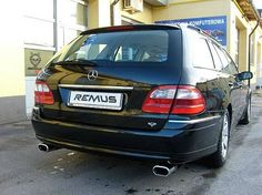REALIZACJA: Mercedes Benz Klasy E  Mercedesy w nadwoziach typu kombi nigdy nie uchodziły za wzór sportowego designu. Jednakże wystarczą drobne modyfikacje, aby uatrakcyjnić tylną partię nadwozia. Jedną z nich, jest montaż nowych końcówek układu wydechowego. Owalne końcówki rozmieszczone po dwóch stronach zdecydowanie poprawiają wygląd auta, a nowy tłumik Remus zapewnia lepsze doznania dźwiękowe!  Sprawdź to w Remus Polska http://www.remus-polska.pl/