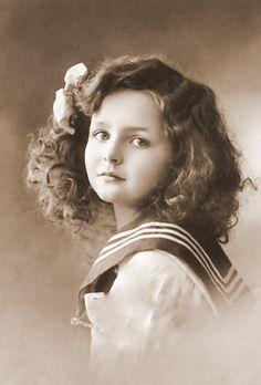 vintage photograph - girl child