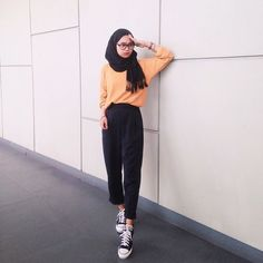 Vintage Outfits Modern Chic 41 Ideas For 2019 Modern Hijab Fashion, Street Hijab Fashion, Hijab Fashion Inspiration, Muslim Fashion, Cute Fashion, Fashion Pants, Fashion Outfits, Women's Fashion, Casual Hijab Outfit