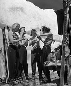 "hollyhocksandtulips: "" Women putting on suntan lotion before summer skiing session at Lassen Volcanic National Park, California. Photo by Peter Stackpole, 1942 "" Alpine Skiing, Snow Skiing, Nordic Skiing, Alpine Chalet, Ski Ski, Ski Fashion, 1940s Fashion, Old Photos, Vintage Photos"