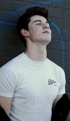 Shawn Mendes is hot af Mendes 98, Shawn Mendes 3, Shawn Mendes Imagines, Mendes Army, Shawn Mendes Wallpaper, Chon Mendes, Daddy, Magcon Boys, Cameron Dallas