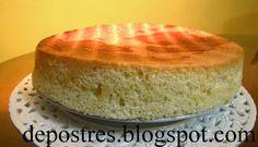 """Os quiero dejar esta receta que sale perfecta. Es el bizcocho ideal para hacer una tarta, claro que podéis usar cualquier otro que acostumbréis pero si buscais algo distinto del clásico de yogurt y quereis que os quede como de pastelería haced este. Este bizcocho de espuma para tartas esta sacada del libro """"Recetario de Sor Mª Isabel - Los dulces de las monjas"""". Ingredientes: 5 huevos, 100 gr. de azúcar, 50 gr de maicena, 75 gr. de harina, 50 gr. de azúcar glas, 20 gr. de levadura e..."""