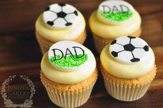 День футбольные кексы ручной росписью отца