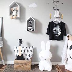 • c O O l • • by @stickstay.se • #kidsroom#kinderzimmer#kinderkamer#barnerom#barnrum#barnrumsinredning#barnrumsinspo#kiiidsinspiration#jungzimmer#børneværelse#babyzimmer#nusery#kids#kidsingram#childsroom#inspiration#nordic#style#inspration123#interior4all#color#blog#design#inspo#monochrome#love#miffy#blog#blogger#nordickidsliving#lastenhuone