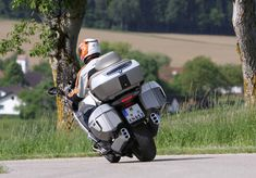BMW K1600GTL Exclusive – BMW Motorcycle Magazine All Electric Cars, Best Classic Cars, Future Car, Car Parts, Cars And Motorcycles, Touring, Bike, Magazine, Adventure