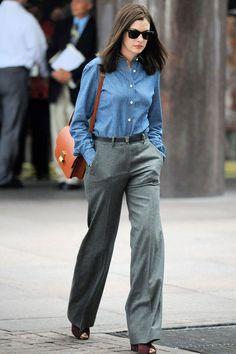 電影沒教的事!偷學《高年級實習生》安海瑟薇 5 種有型職場穿搭 - JUKSY 流行生活網