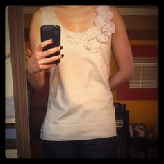 Adorable BR flower embroidered tank! Beautiful beige and pink floral detail on side, cool linen material, perfect to wear Alone or layered! Has two layers so not see thru! NWOT! Banana Republic Tops Tank Tops