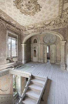 Abandoned Cities, Abandoned Mansions, Abandoned Houses, Old Houses, Palaces, Holland Strand, Hotel Am Meer, Best Places In Portugal, Le Palace
