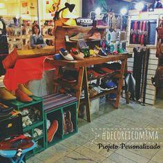 Expositor para loja de sapatos  Preços e encomendas: oitomaos@oitomaosatelier.com.br
