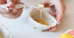 Θες πρόσωπο λαμπερό και ενυδατωμένο; Αυτή είναι η σπιτική συνταγή μάσκας με μέλι που θα σε ξετρελάνει!