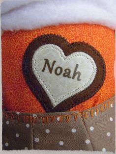 Noah negyedikként érkezett a testvérei közé. Mivel a nagyobbaknak is van Fannisága így Noah sem maradhatott ki a sorból. Isten hozott kicsi Noah szép családot választottál! <3 #baba #róka #fox #szeretet #family