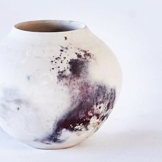 «Smoke fired vessel. I don't normally like bright colours on my pots but this one is interesting and I love the close up detail. Available now…»