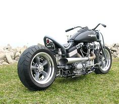2009 Harley Davidson Street Bob Hot Rod Bobber Chopper. This 1584cc Muscle Chopper was created from a 2009 Harley-Davidson Dyna / FXR.