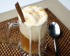 2 cups apple cider  1 cinnamon stick  1 cup vanilla ice cream  1 tbsp. caramel sauce  1 pinch of nutmeg