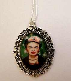 Arte Ciondolo Frida Kahlo ovale in vetro   Art ciondolo 18x25mm arte messicana Cameo donna Strenght Forza  #frida #chic4nerd #mexicanart