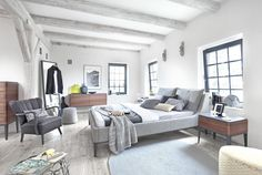 ESSENCE – SWARZĘDZ HOME to kolekcja projektowana przez Jacka Mikołajczaka. Pozwolą urządzić sypialnię w nowoczesnym, minimalistycznym stylu.