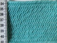 Photo Samples, Other nalbinding stitches - Neulakinnas Nalbinding - Åsle Stitch (thicker). Front side.