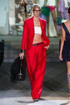 La moda primavera-estate 2015 vede rosso passionale, romantico o punk chic #redAlert