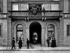 Largo Fratelli Alinari 15 – The world's oldest museum of photography is situated in Florence. A must see for all photo enthusiasts. A permanent exhibition tells the story of photography and the museum hosts changing exhibitions with contemporary photographers.