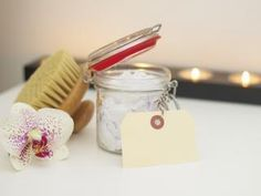 Self-care and personal development for moms who want to carve out more personal time for themselves. Pampered Post is a monthly subscription box but also your self-care partner, providing tips, resources, and premium products every month. Cellulite Scrub, Face Scrub Homemade, Detox Tips, Spa, Active, Pelvic Floor, Dry Brushing, Workout, Bath Salts