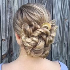 50 Glam Updo Styles For Wedding! - Makeup Tips , 50 Glam Updo Styles For Wedding! Do you wanna see more fab hairstyle ideas and tips for your wedding? Then, just visit our web site babe! Updo Styles, Curly Hair Styles, Box Braids Hairstyles, Hairstyle Ideas, Updos Hairstyle, Dancer Hairstyles, Tail Hairstyle, Perfect Hairstyle, Teen Hairstyles