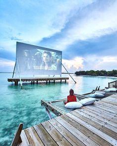 Ocean cinema at Soneva Jani hotel in the Maldives via Sukaina Rajabali (@sukainarajabali) #MaldivesHoliday