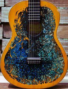 pintura en guitarra Fernández | by pez de tierra