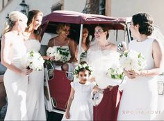 Total white look for this bride and her bridesmaids #italianriviera #realweddings