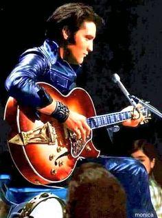 Lisa Marie Presley, Priscilla Presley, Elvis Presley Live, Elvis Presley Photos, Rock And Roll Songs, Rock N Roll, Mississippi, Elvis Presley Wallpaper, Tennessee