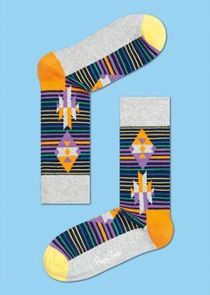 Continue a tradition of detailed weaving with these Inca stripe socks. Made for women and men, the highest-quality combed cotton was used to make the precise patterning of grey, orange,black, purple, green and blue. These colourful socks highlight the detailed patterning seen in traditional Inca fabrics and are available in convenient sizes for women and men. Traditional, Detailed, Timeless. PATTERN: Inca Stripe, COMPOSITION: 80% Combed Cotton, 17% Polyamide, 3% Elastane. www.HappySocks.com