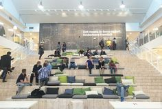 巨大な階段は、イノベーションが生まれる、みんなの「たまり場」 | roomie(ルーミー)
