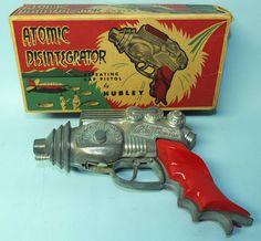 VINTAGE UNUSED 1954 HUBLEY ATOMIC DISINTEGRATOR CAP PISTOL SPACE TOY & BOX | Toys of Times Past