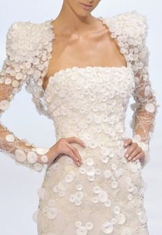 Elie Saab Couture...Stunning <3  I Want To Be Caught Dead In This :)