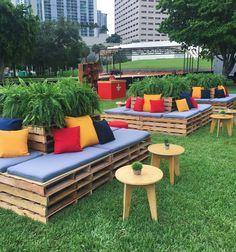 Outdoor Pallet Seating, Pallet Lounge, Outdoor Cafe, Outdoor Restaurant, Outdoor Lounge, Outdoor Decor, Pallet Furniture Sofa, Palette Furniture, Outdoor Furniture Sets
