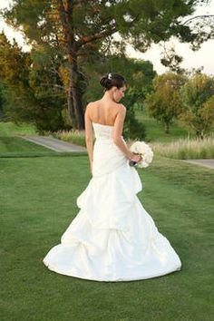 Weddings & Events - Braemar Country Club - Bride on Golf Course - Moments to Remember Photography