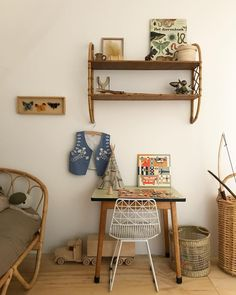 Vintage styled kids room with rattan furniture