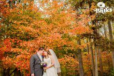 Love fall wedding photos! #fall #love #weddings #leaf #leafchange Falling In Love, Fall Wedding, Wedding Photos, Weddings, Couple Photos, Couples, Photography, Blush Fall Wedding, Marriage Pictures