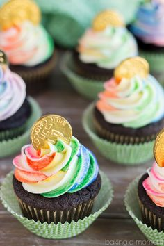 Rainbow Pot of Gold Cupcakes for St. Patrick's Day- the Chocolate Cake recipe is phenomenal! And the Rainbow striped frosting was actually pretty simple. Definitely making these again, they were a big hit! patricks day food rainbow Pot of Gold Cupcakes Baking Cupcakes, Cupcake Recipes, Cupcake Cakes, Dessert Recipes, Cupcake Ideas, St Patricks Day Cupcake, St Patricks Day Food, Saint Patricks, Food Cakes
