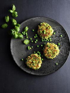 Grønært. De grønne ærter er utrolig smukke og utrolig sunde. Spis ærtebøfferne med en salat, brug dem i madpakken eller i miniburgere. Foto: Jesper Glyrskov