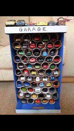 DIY: toy car garage, toilet paper roll craft, boys toy room organization.