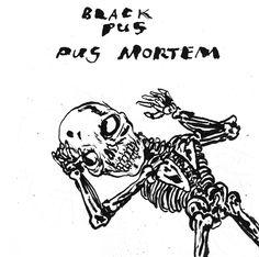 """Pus Mortem (Diarreha Records). Black Pus è il progetto solista di Brian Chippendale, batterista, ma non solo, del duo Lightning Bolt. """"Black Mortem"""" non ne sancisce la fine. Al settimo album la massa scura si fa tribale ed ipnotica, più ordinatamente caotica rimandando alla violenza degli Arab On Radar, al tribalismo degli Ovo ma non solo. Dub, noise, ambient, voci catacombali e atmosfere sarcasticamente lovecraftiane e urbane da Providence. Da ascoltare al massimo del volume possibile! 8."""