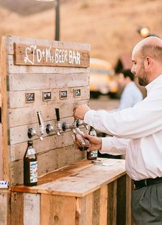 10 Refreshing Ideas For Summer Weddings: When it's hot outside, sometimes the only thing you want is an ice-cold beer.