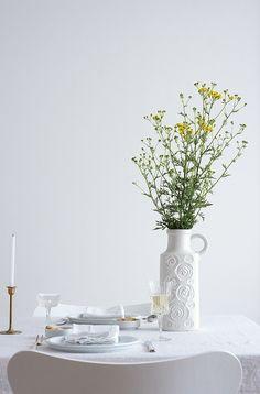 Tischdeko: weiß trifft messing | Foto: Sabine Wittig